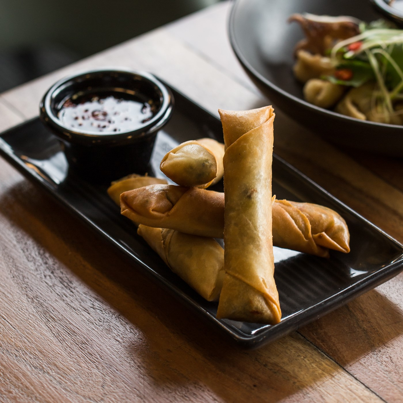 Vegetable Spring Rolls | Sweet chilli sauce (V) | 16